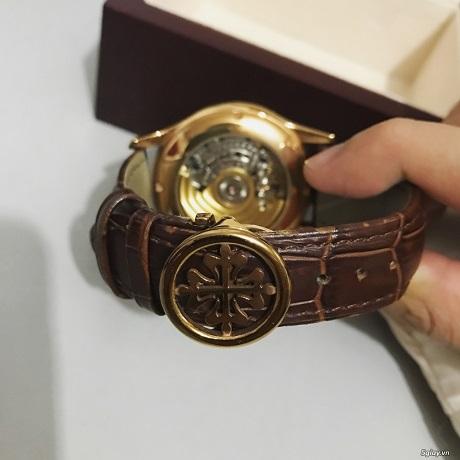 Lớp da thú là điều không thể làm giả dù đó là đồng hồ Patek Philippe Super Fake