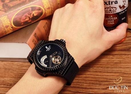 Đồng hồ Hublot Black Caviar Bang