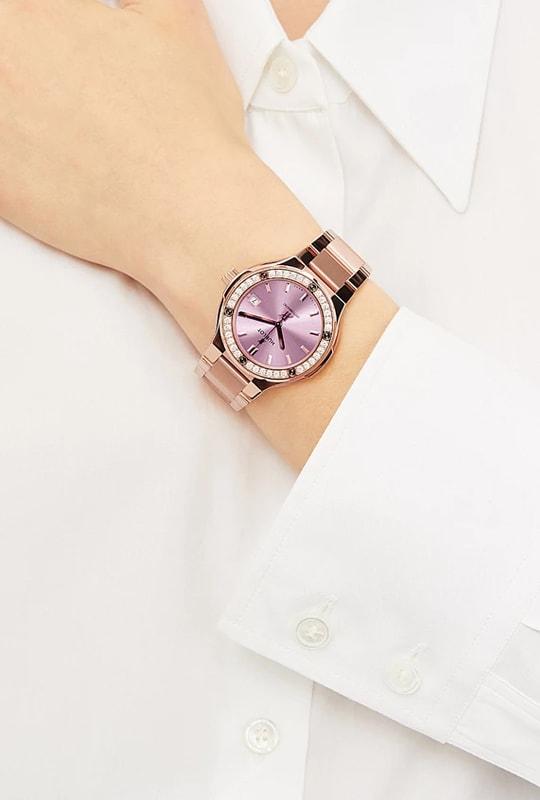 Đồng hồ nữ Hublot 568.OX.891P.OX.1204 thích hợp với quý cô yêu thích vẻ đẹp thanh lịch, nữ tính.