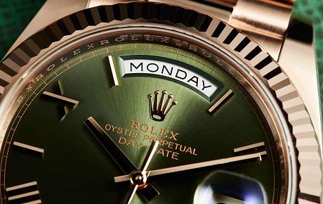 Giá đồng hồ Rolex Thụy Sỹ là băn khoăn của nhiều người