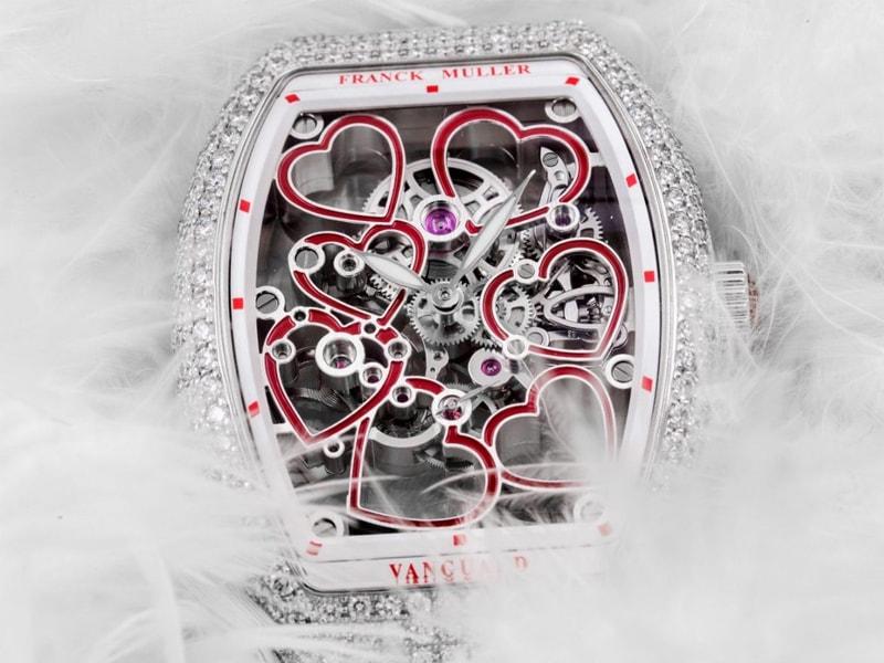 Bộ máy cơ học cầu kỳ là đặc trưng thiết kế của Franck Muller