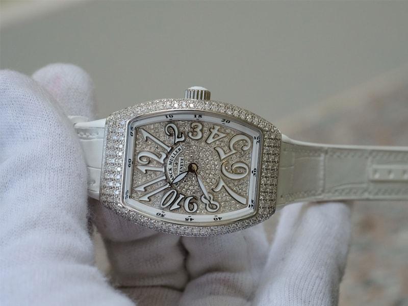 Chi tiết đồng hồ Franck Muller nữ chính hãng Vanguard V 32 QZ D