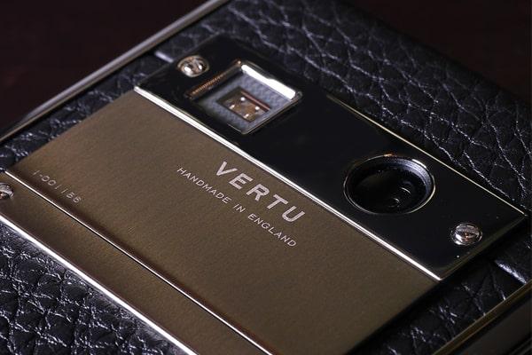 điện thoại Vertu Aster P chính hãng giá bao nhiêu
