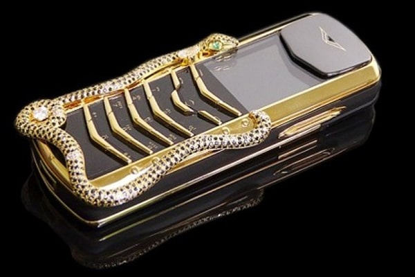 Vertu Signature Cobra Limited Edition