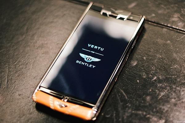 Điện thoại Vertu chính hãng giá bao nhiêu?