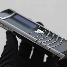 Vertu được thiết kế tỉ mỉ từng chi tiết bằng đôi tay của các nghệ nhân