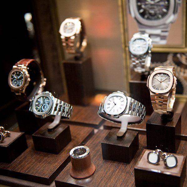 Cùng chiêm ngưỡng một số mẫu đồng hồ Patek Philippe Nautilus hiện đại.